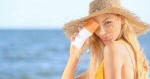 Produits cosmétiques interdits au soleil
